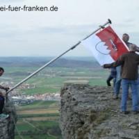 Hissen Frankenfahne Staffelberg 9Apr2016_2